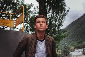 Teen looking in the distance | Teen Counseling | Atlanta, GA area